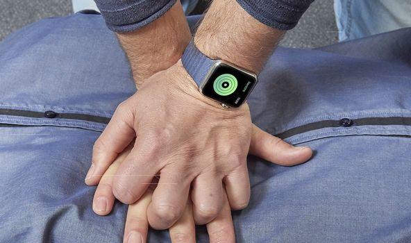 CPR Geribildirim Sistemleri: Smartwatch